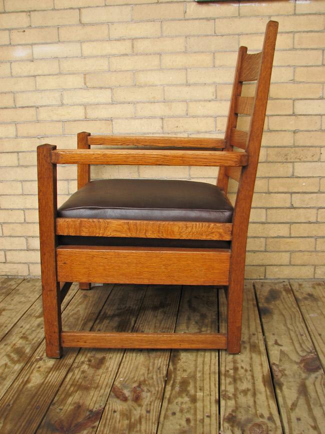Gustav Stickley  Early Armchair  |  F9515