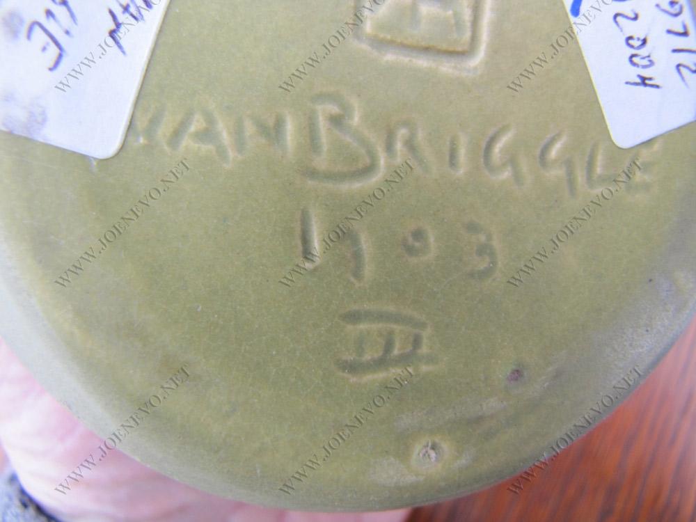 Van Briggle  1903 Vase     F9712