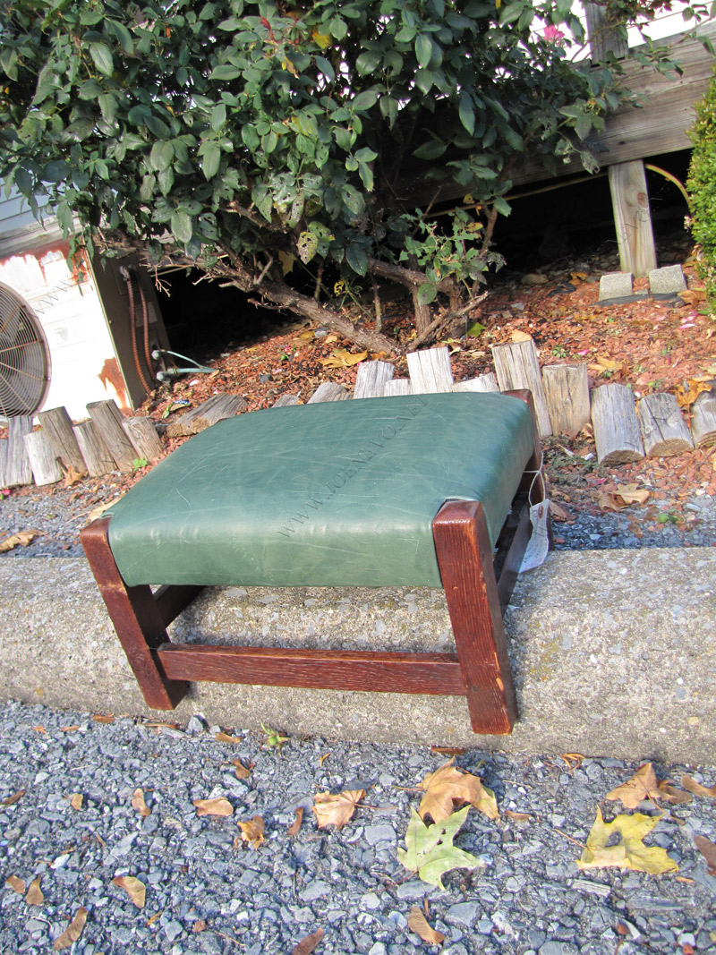 Gustav Stickley Antique Footstool |  w1707‎
