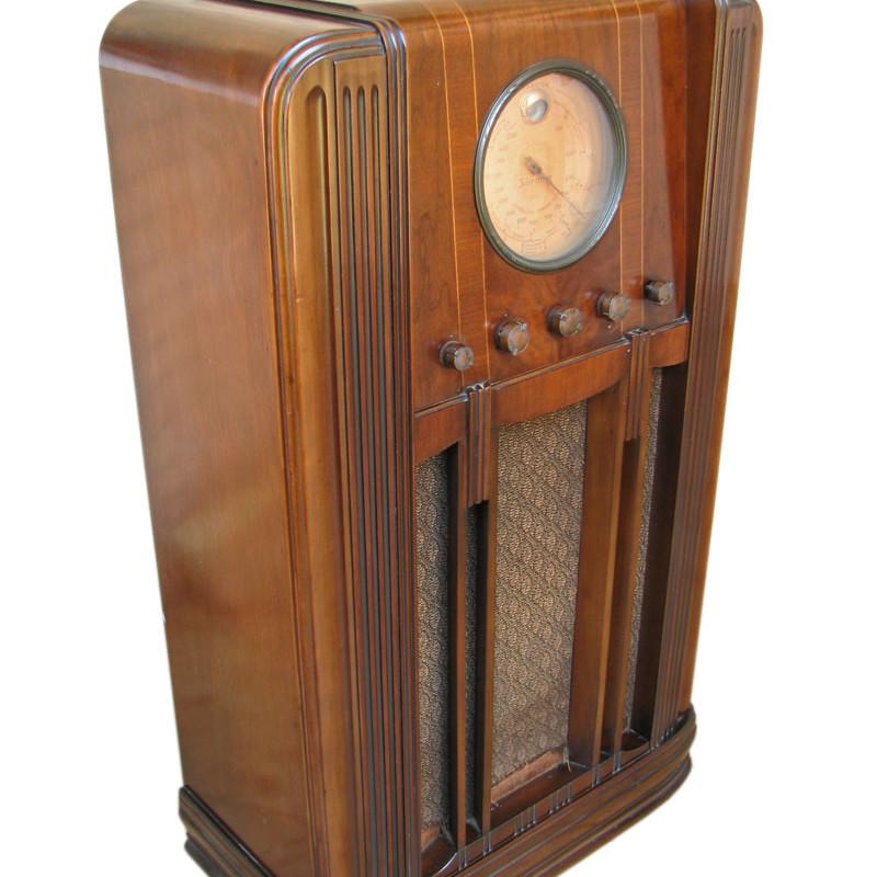 Silvertone  Tube Radio F191