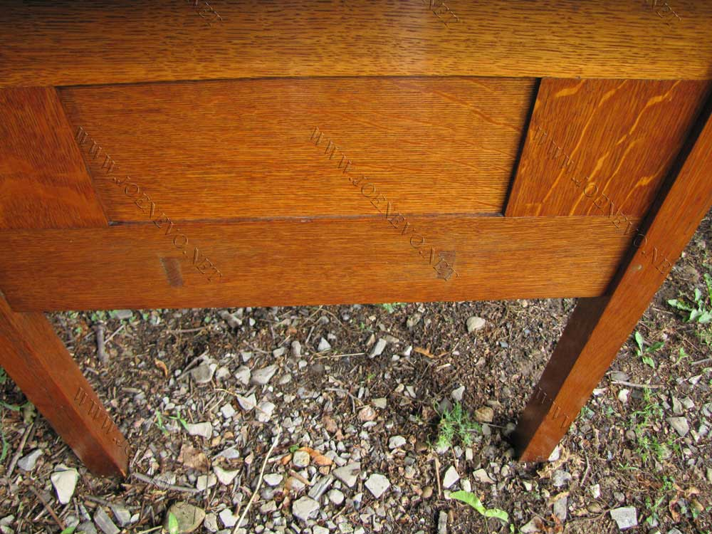 Rare Large Size Gustav Stickley Desk | w2268