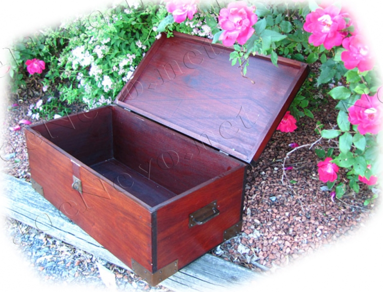 Antique Roycroft  Covered Box |  w1987