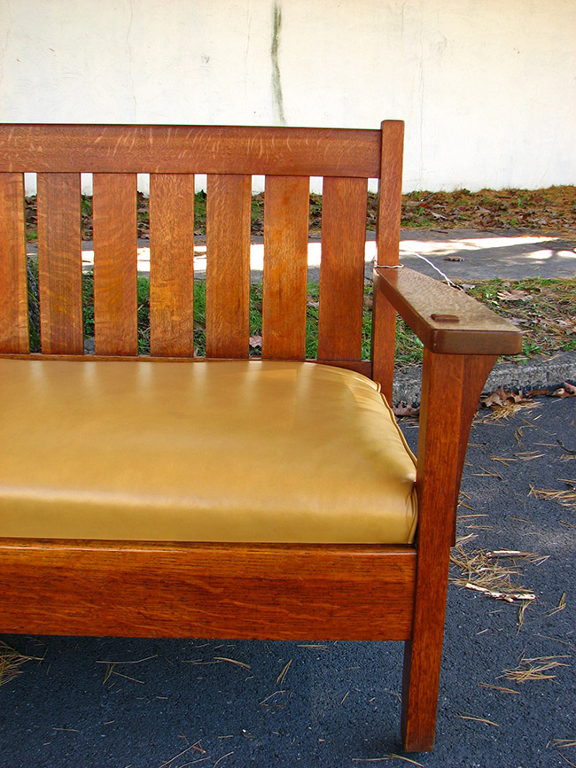 L&jg Stickley Early Settle F6005
