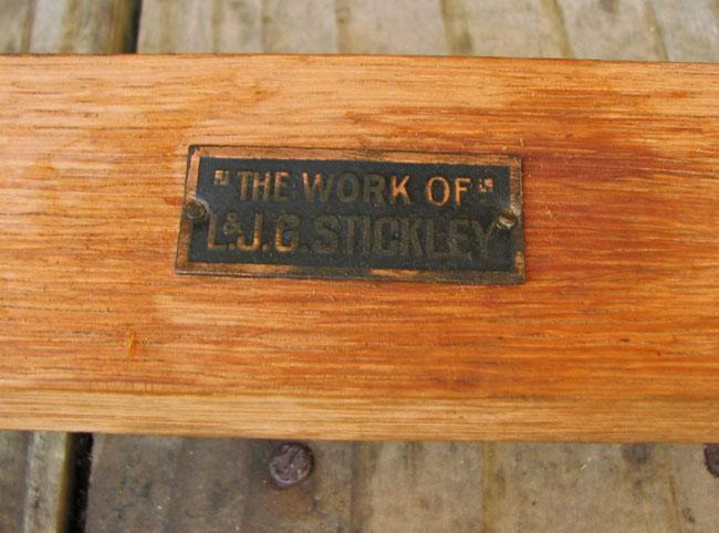 L&jg Stickley Large Settle F6390