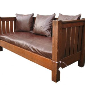 L&jg Stickley Even Arm Settle F7125