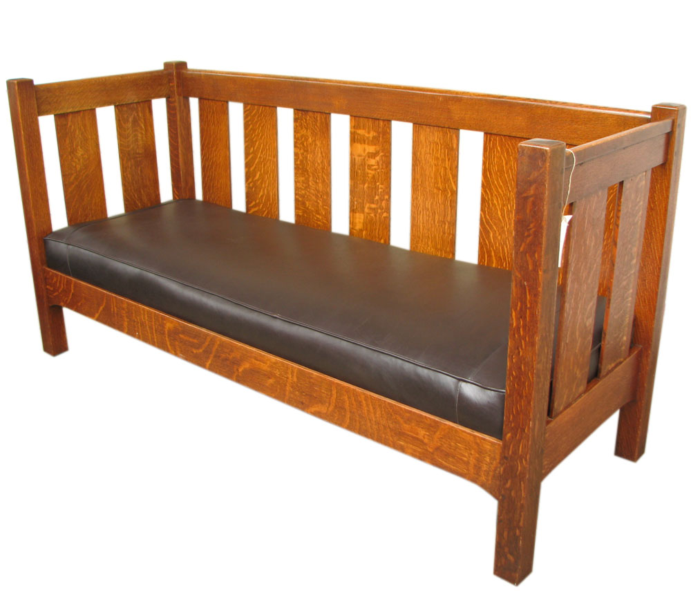 L&jg Stickley Even Arm Settle F8263