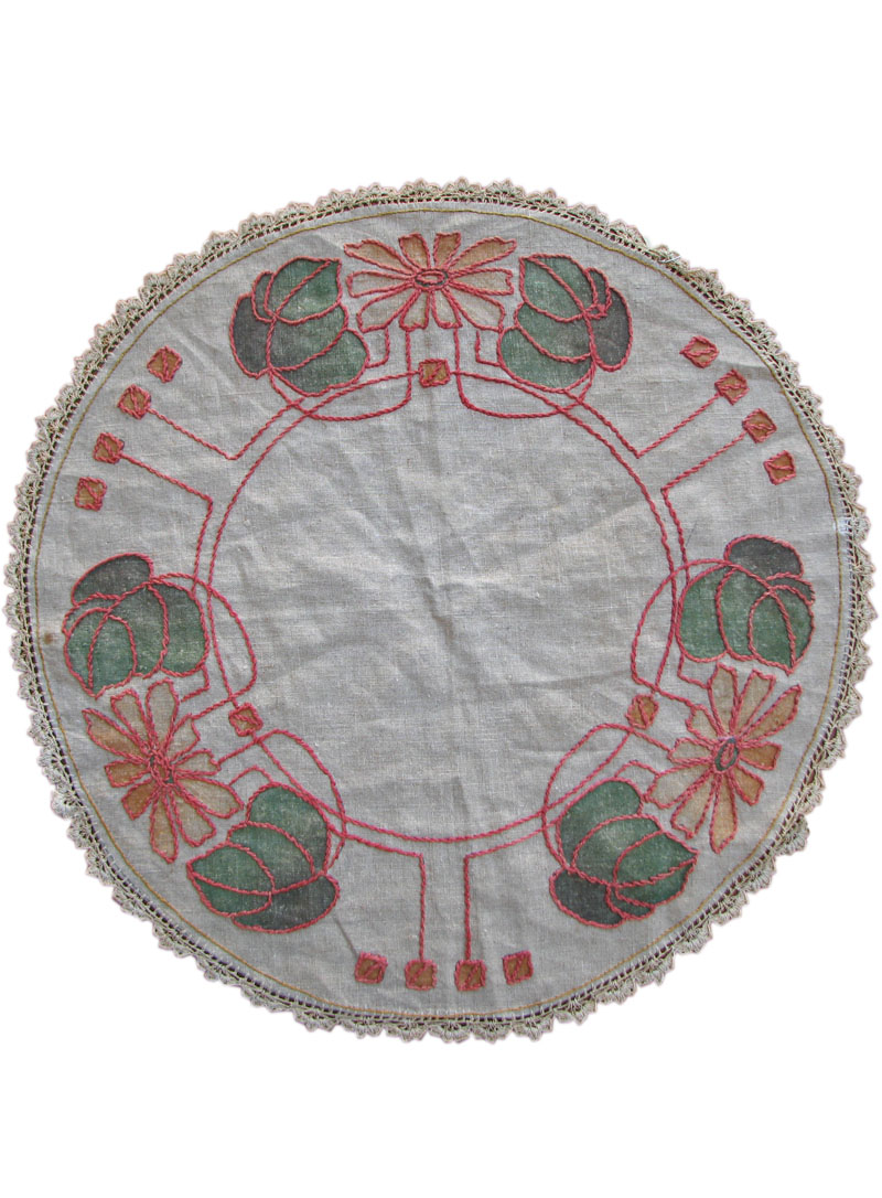 Arts & Crafts  Table Linen F9804
